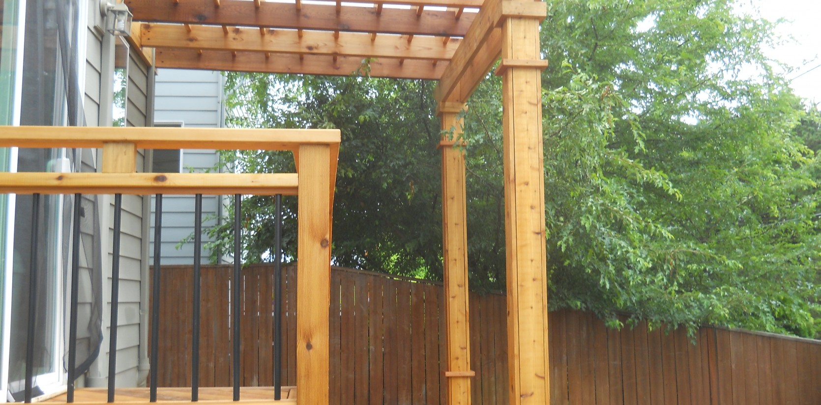 Three Rivers custom cedar deck with overhead awning