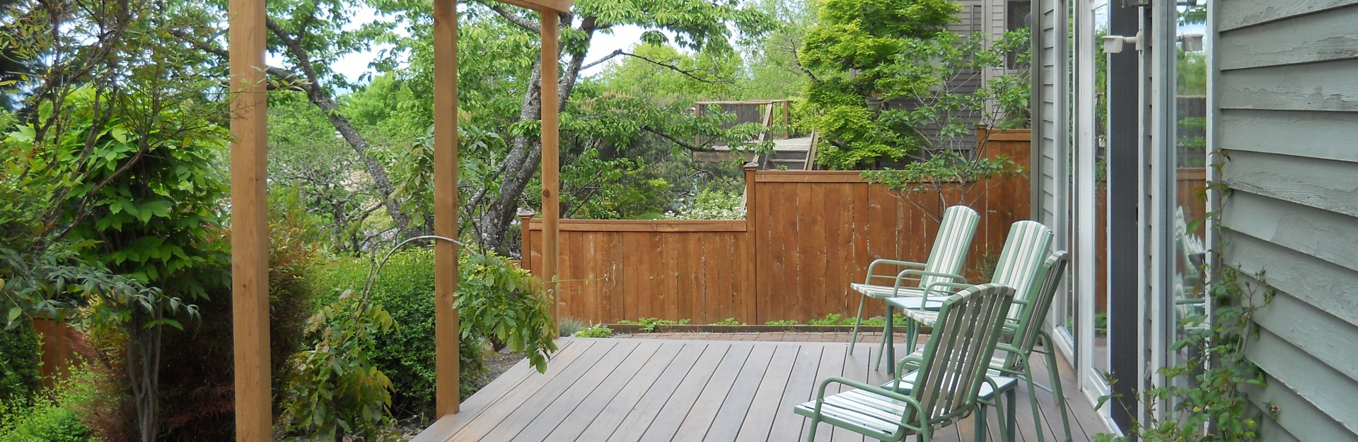 Three Rivers custom deck with overhang